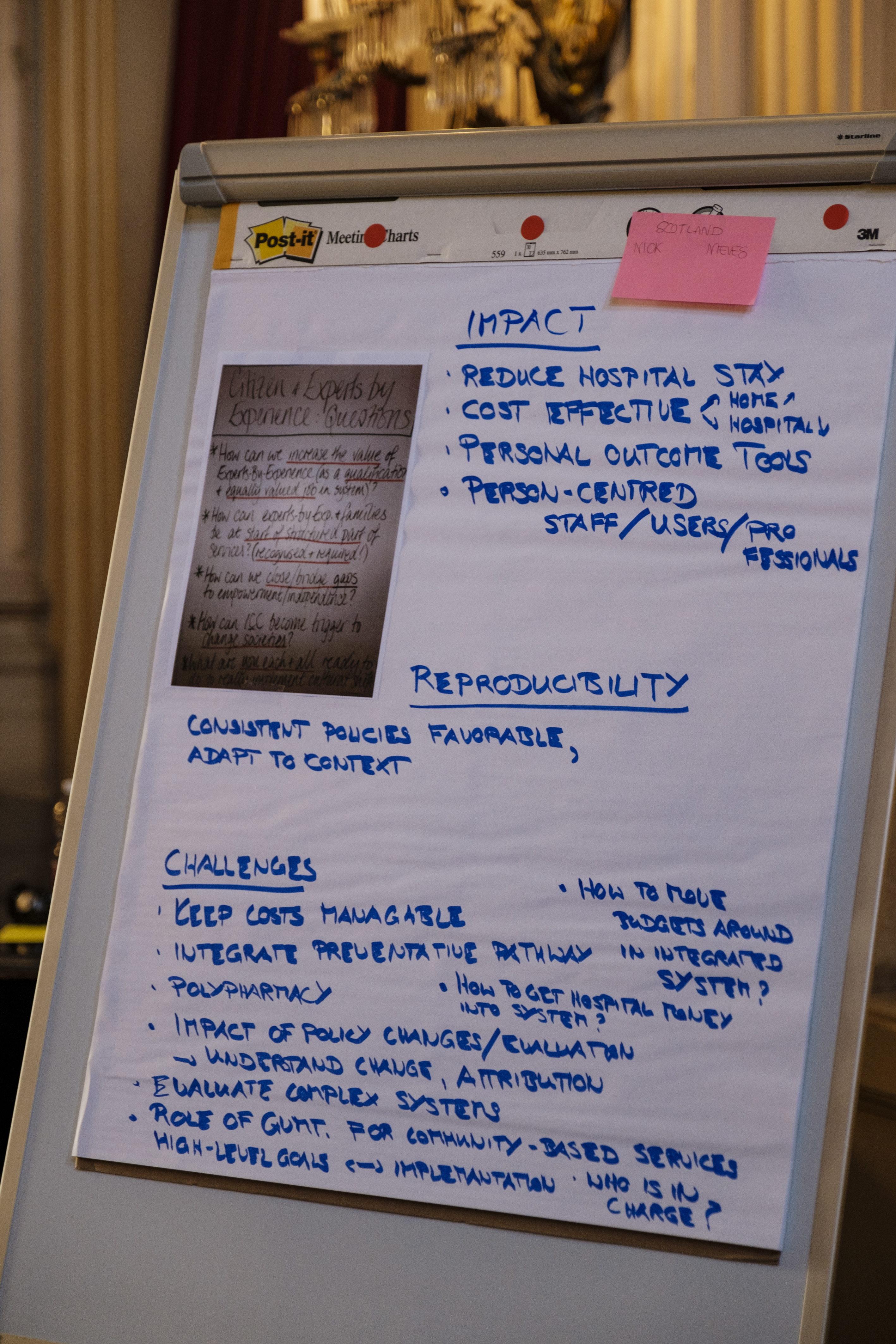Flipchart reproducing the discussion in group on the Scottish case